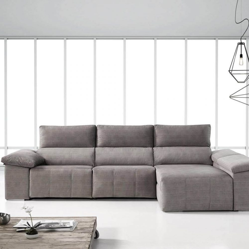 Sofa de tres plazas con chaise lounge